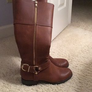 Brown Boots with Buckle
